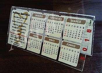 Calendário de mesa com espiral