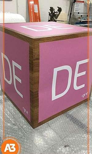 Display de mesa personalizado