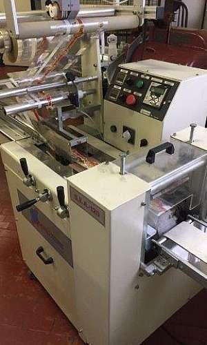 Máquina para embalar doces
